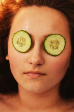 Les masques pour le visage faits-maison image