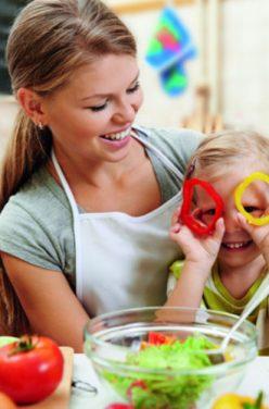 Comment donner de bonnes habitudes alimentaires à ses enfants ?