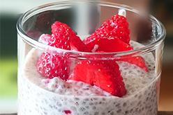 Pudding aux fraises et à la crème de chia