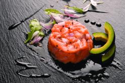 Tartare aux deux saumons à la crème balsamique