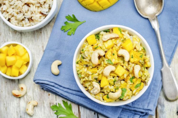 Poulet à la mangue et à l'ananas
